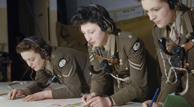 Auxiliary Territorial Service (ATS) plotters  color photos of World War II worldwartwo.filminspector.com