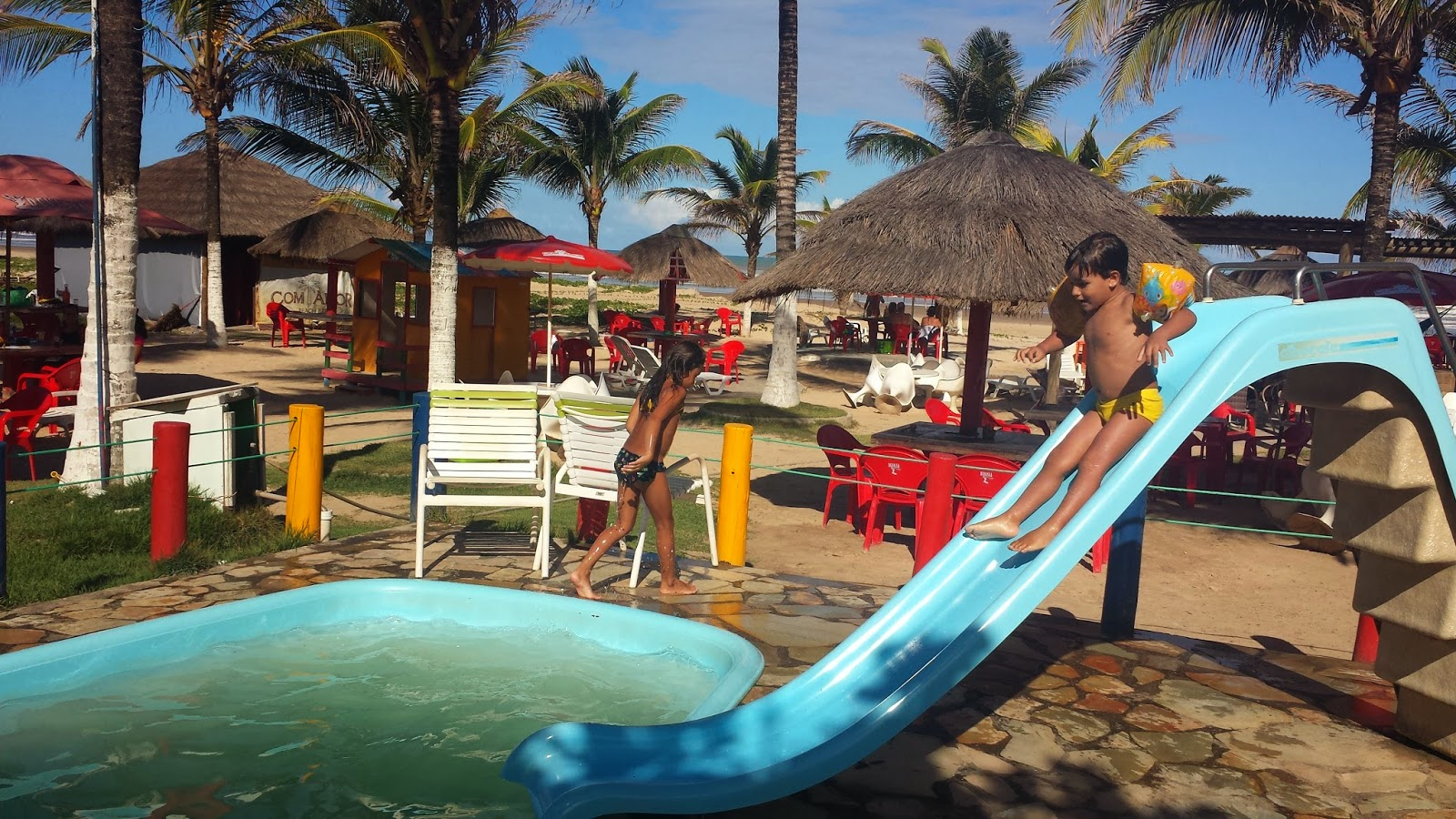 Barraca Com Amor Beach Bar