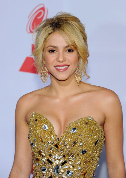 How Old Is Shakira? Shakira Age,Shakira Songs, Shakira Birthday, Shakira Husband, Shakira Family & Biography - nowjersey.com