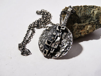https://www.etsy.com/ca/listing/174514141/robert-larin-necklace-brutalist?ref=sr_gallery_23&ga_search_query=robert+larin&ga_view_type=gallery&ga_ship_to=CA&ga_search_type=all
