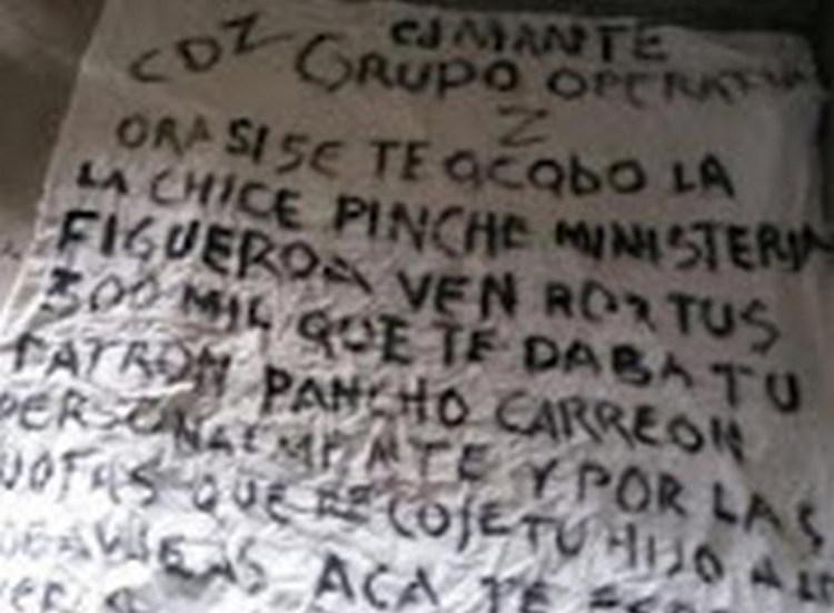 Acusan a agente de la Policía Ministerial de recibir dinero del Cartel de los Zetas para el director de la corporación.
