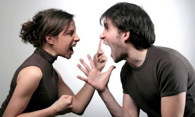 8 Pertengkaran yang Pasti Dialami Setiap Pasangan