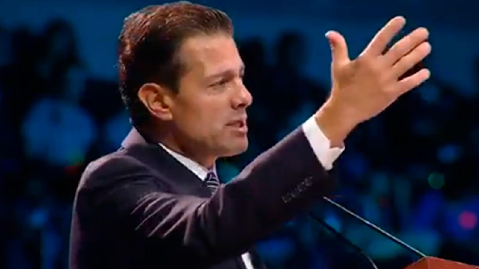 """Peña lo vuelve a hacer: dice """"caliento global"""" y su desliz no lo perdonaron las redes.(VÍDEO)"""