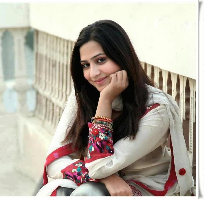 HOT: Pakistani Beautiful Girls Wallpapers (HD Wallpapers