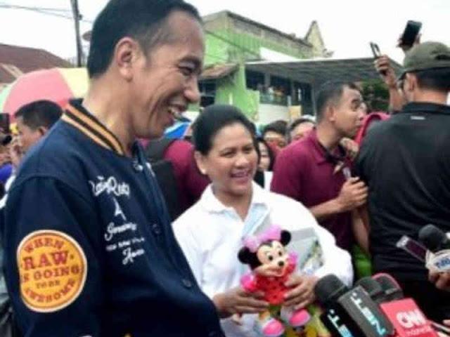 Jokowi dan Iriana Kunjungi Pasar Sentral Kota Kendari