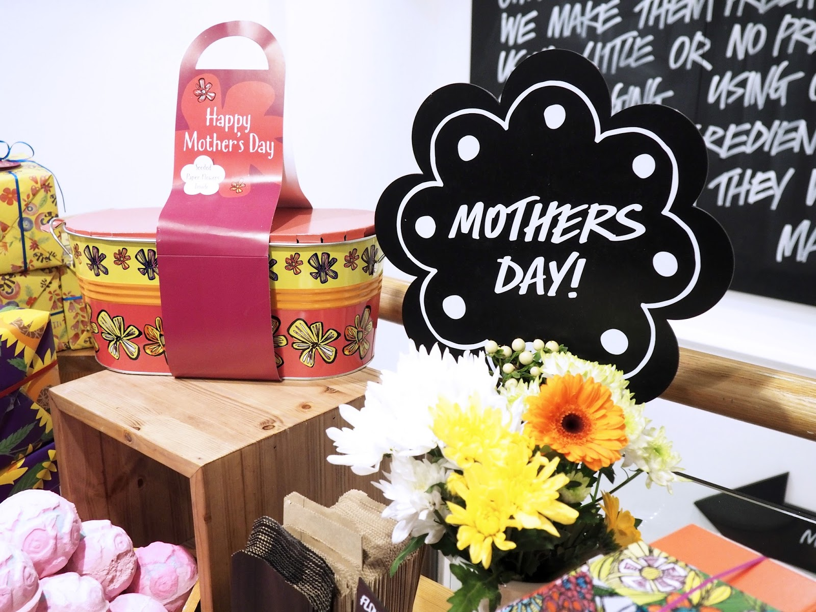 Lush Happy Mothers Day Pamper Hamper