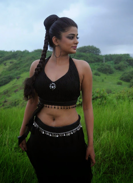 New Images Priyamani picture gallery