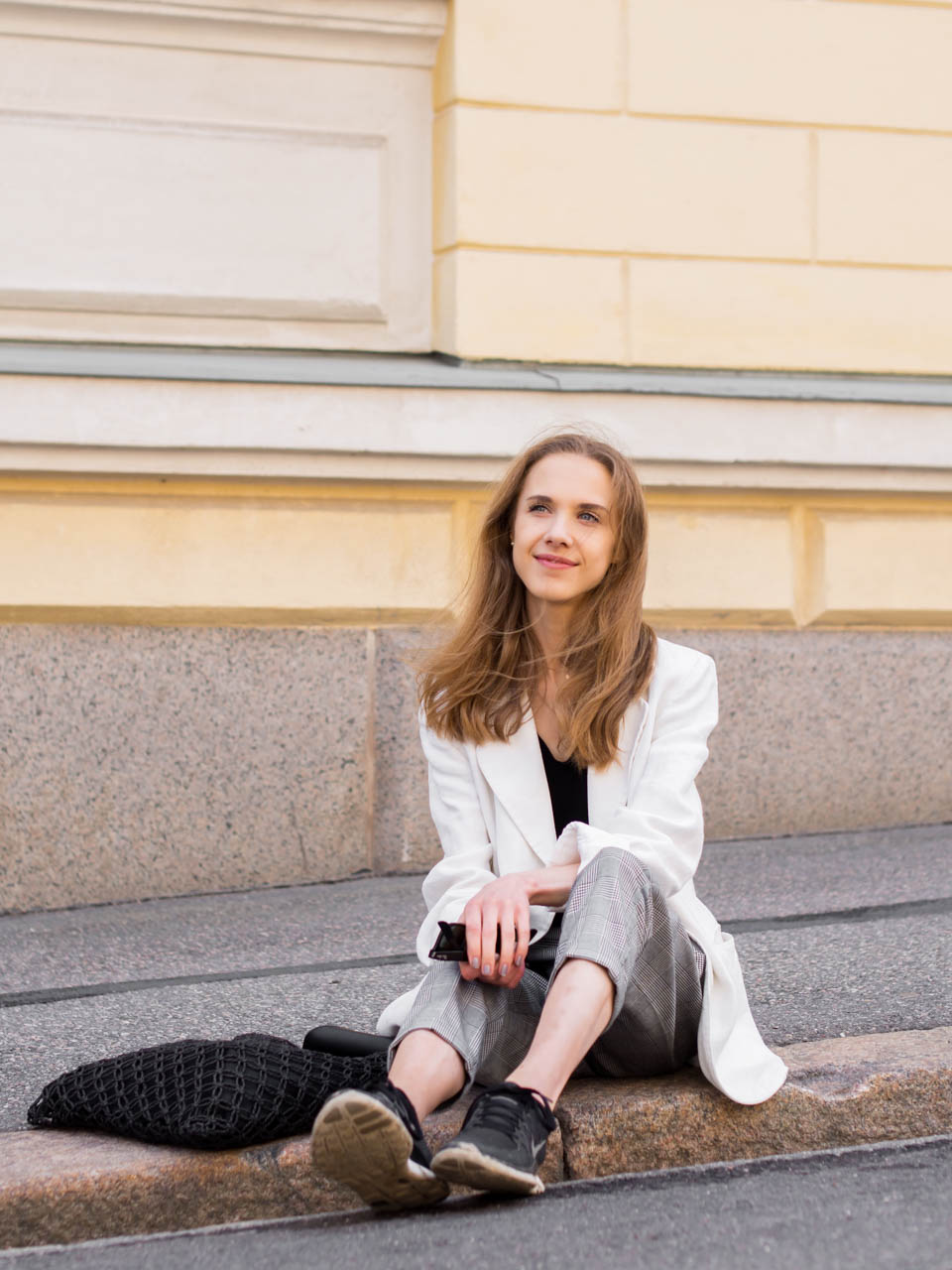 summer-2019-bucket-list-and-outfit-with-white-linen-blazer