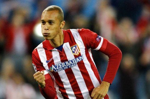Tuyển thủ Miranda như một hòn đá tảng ở hàng phòng ngự của đội tuyển Atletico.