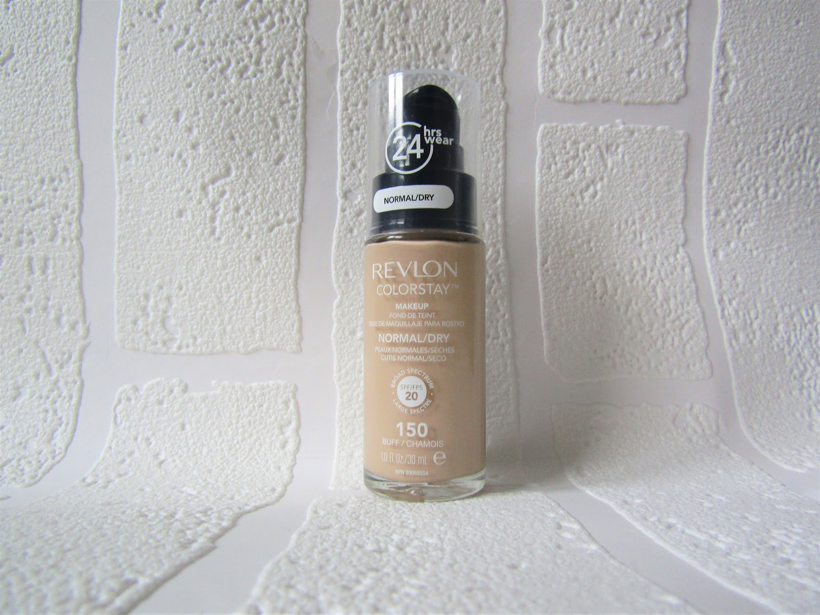 Revlon Colorstay Foundation Normal Dry Review Luci Barker Foundations I Struggle So Much To Find That Not Only Match My Skin Tone But Also Work Well With Type And Stay On The All Day Without Going