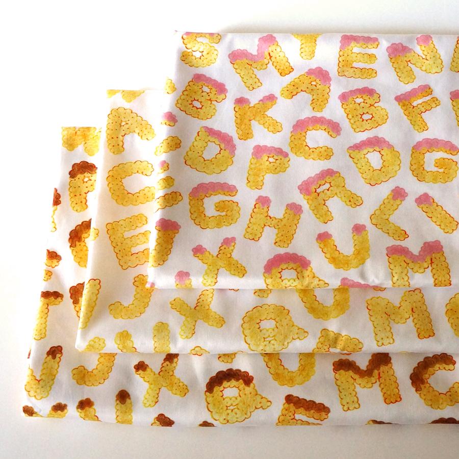 新作オーガニックコットンサテン生地「biscuits alphabet」全3色が出来上がりました♩