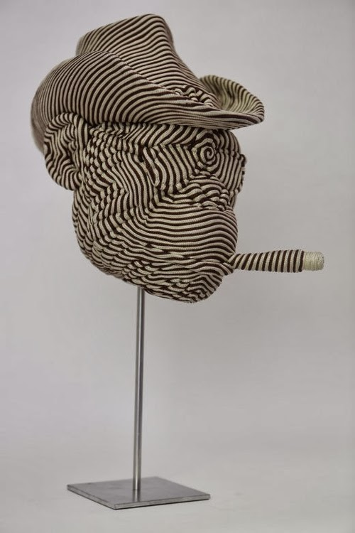12-Cowboy-Mozart-Guerra-Rope-Animal-Sculptures-www-designstack-co