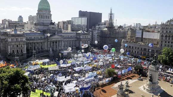 La CTA Autónoma acompañó a las organizaciones populares al Congreso para exigir la aprobación de la Ley de Emergencia Social