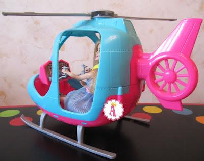 Панель управления в вертолете для кукол