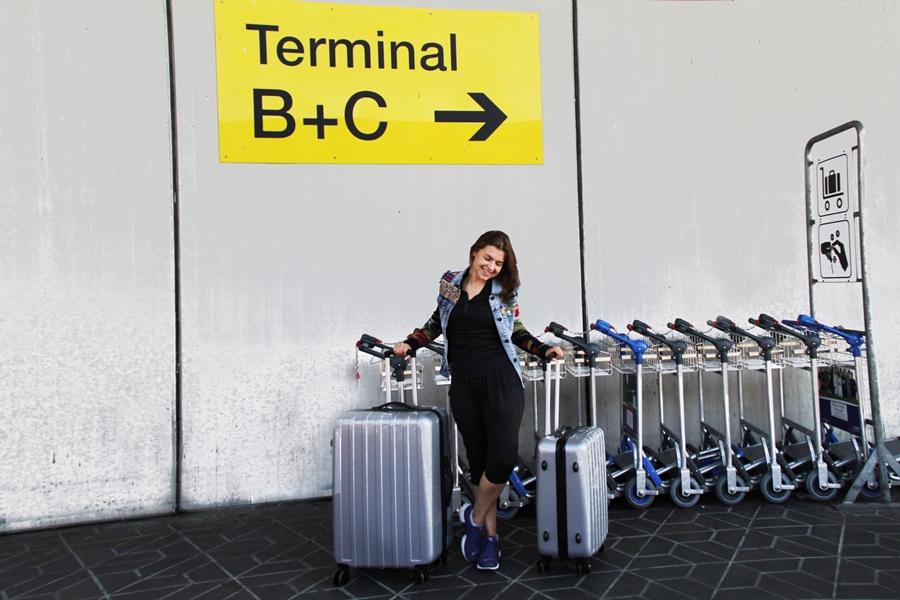 flughafen koffer packen reise