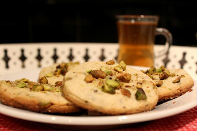 Cardamom Pistachio Cookies with Tea