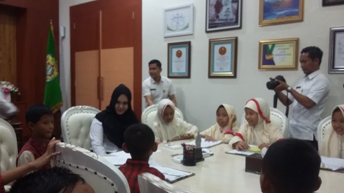 Siswa SDIT Muhammadiyah Pegandon Temui Bupati
