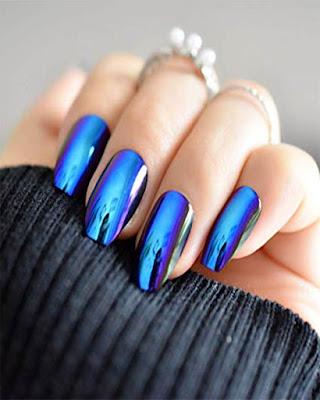 uñas espejo azul