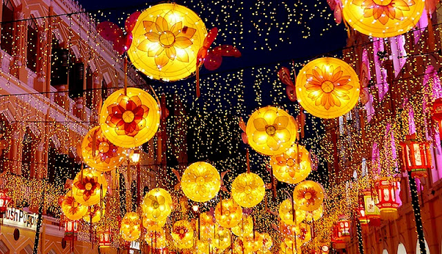 Hang Ma Street Bustle, Sparkling Lights To Welcome The Mid-Autumn 1