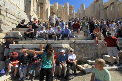 Record number of tourists expected in Greece this year