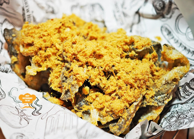 The Brew House Salted Egg Fish Skin with Pork Floss