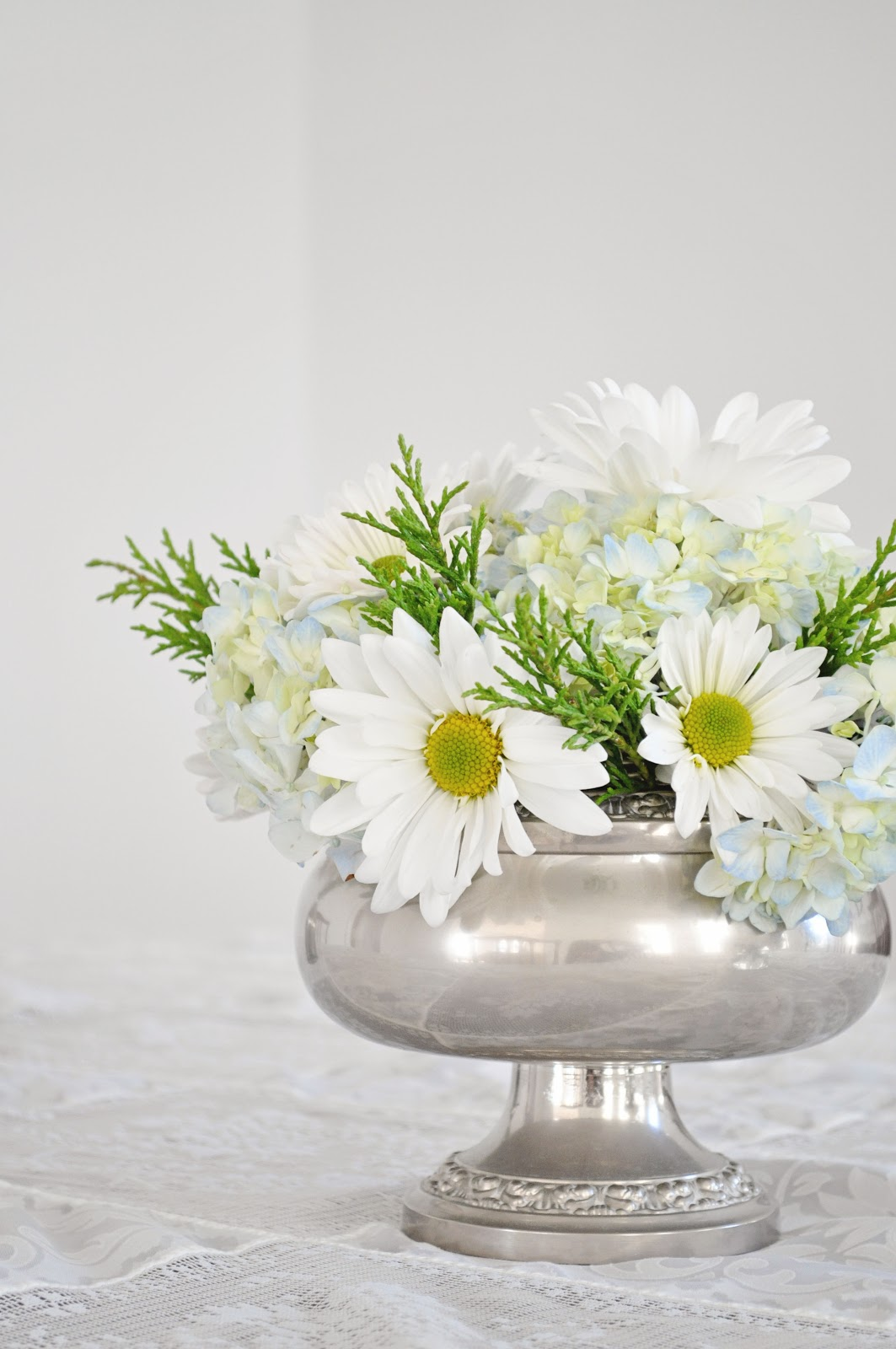Athena Amp Eugenia Winter Flower Arrangements Daisies And
