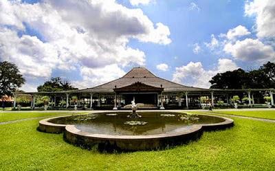 Istana/ Pura Mangkunegaran