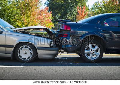 Bagaimana Solusi Jika Mobil Anda yang Terparkir Rapi Tertabrak oleh Kendaraan Lain?
