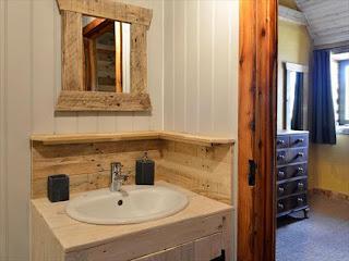 salle de bain-miroir-bois