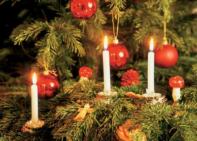 seriously how do you put real candles on a christmas tree - How To Put Up A Christmas Tree