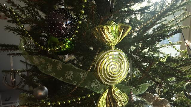 joulukoristeet, joulu, sisustus, joulukuusi