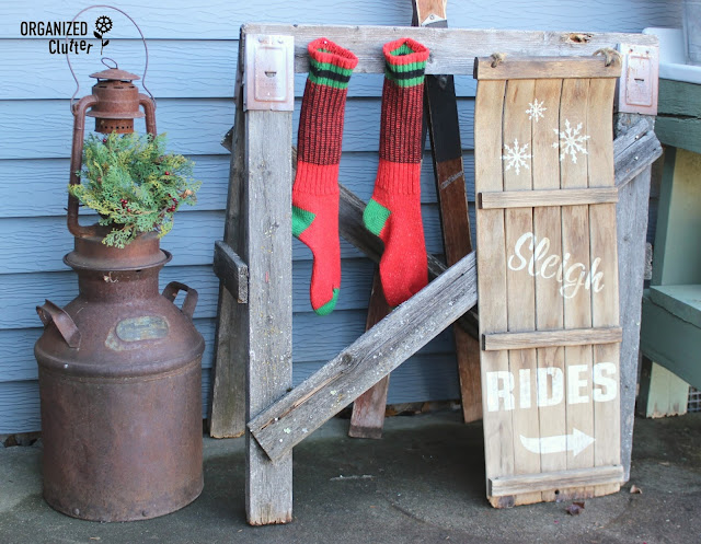 Rustic Christmas Outdoor Vignettes organizedclutter.net