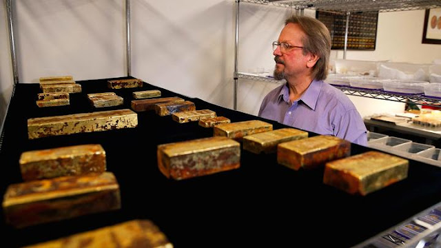 Gold treasure recovered from 1857 shipwreck goes on display in California
