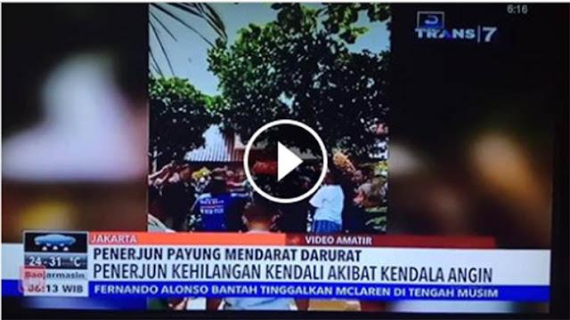 Video Gagal Mendarat, Penerjun Payung TNI Tersangkut di Pohon