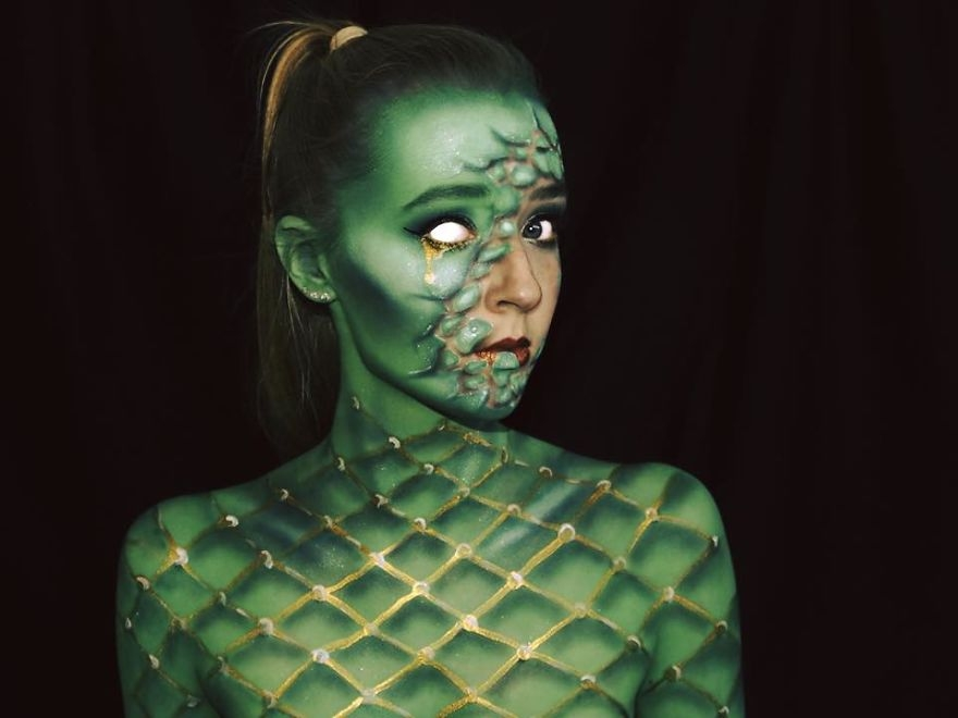 17-Lara-Wirth-Armageddon-Painted-Turning-into-Monsters-with-Body-Painting-www-designstack-co