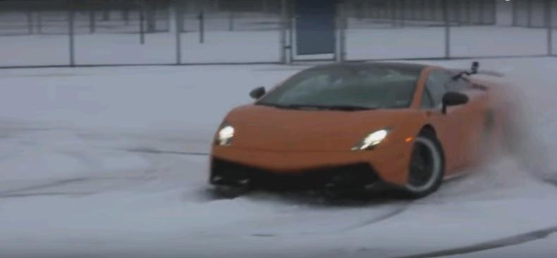 Hiếm khi nào mà Lamborghini Gallardo được mang ra hành xác thế này