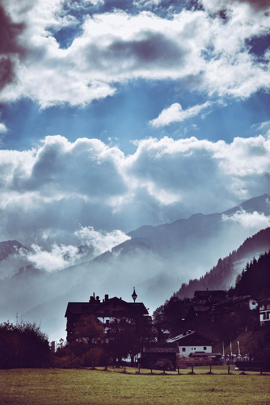 ESCAPE TO THE MOUNTAINS: AUSRTIA. Travel blogger reveiw