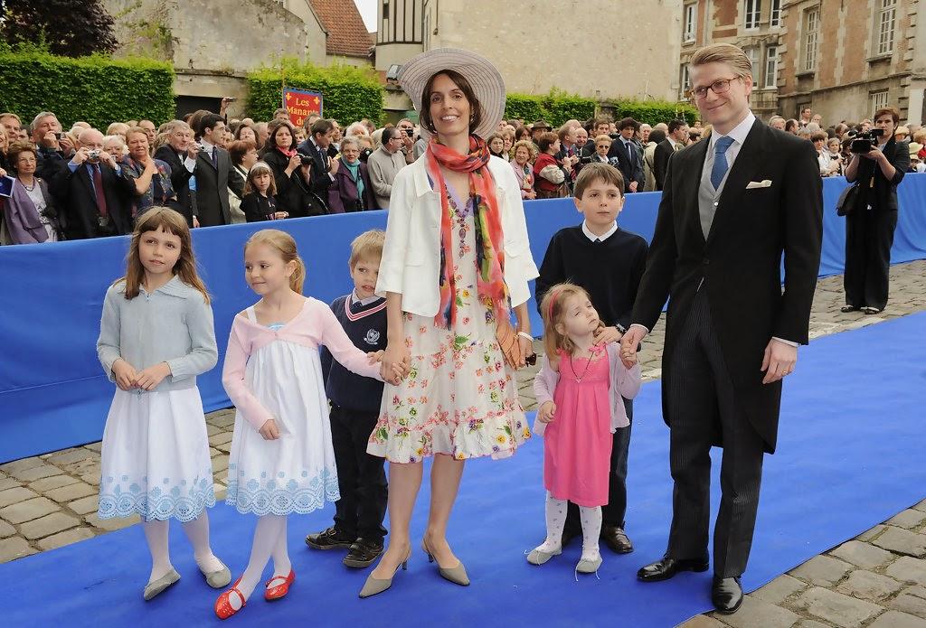 Queen Mathilde: Flashback: wedding of prince Jean d'Orléans