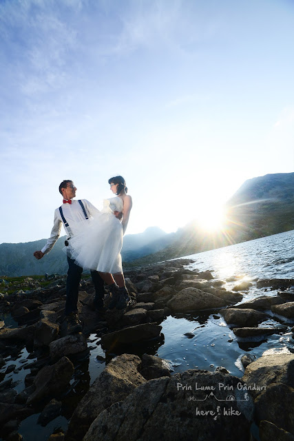 trash the dress retezat park mountains bucura sunset