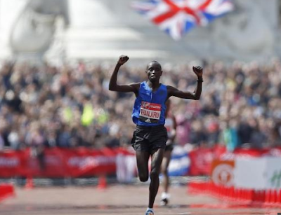 2017 London Marathon: Kenya's Daniel Wanjiru wins the men's race