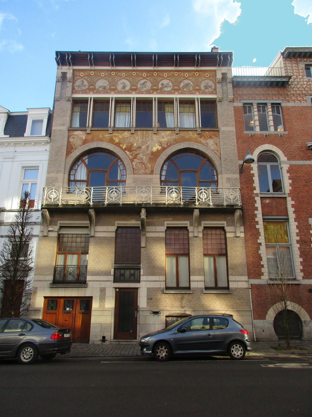 Paul hankar en huis ciamberlani knap staaltje art nouveau in elsene blogcatalog - Model van huisarchitectuur ...