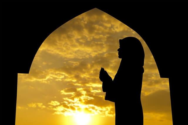 Waktu Sebelum Berbuka Puasa adalah Waktu Mustajab Berdoa