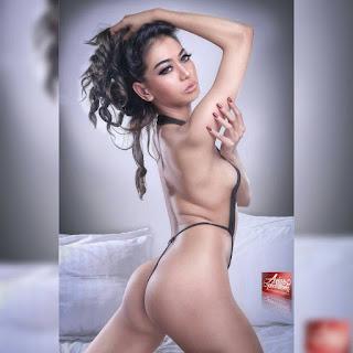 Koleksi Hot Sexy Bikini Eme EmmiLy - Model Majalah Pria Dewasa