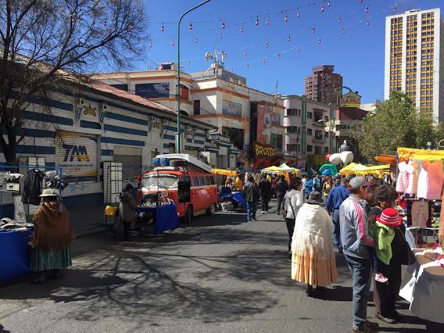 Nômades digitais na feira de La Paz
