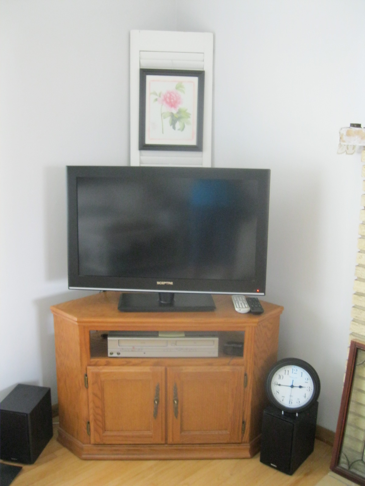 GARAGE SALE GAL: Living Room Re-arranging & New TV stand