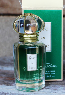Apa de parfum Live in love, by Oscar de la Renta. Review