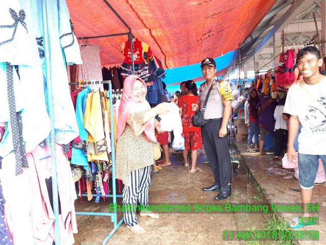Sambangi Pasar, Ini Pesan Bhabinkamtibmas Polres Muba