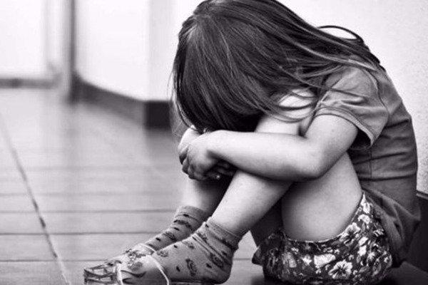 Λέσβος: Πατέρας βίαζε την 13χρονη κόρη του επί δύο χρόνια