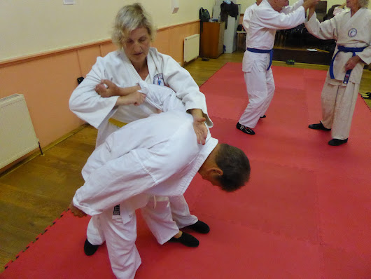 Bridport martial artists train the defence against 10 most common attacks