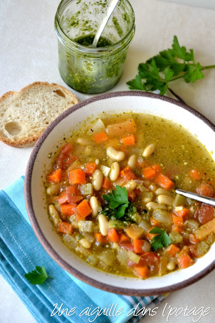 Minestrone with white beans and parsley pesto